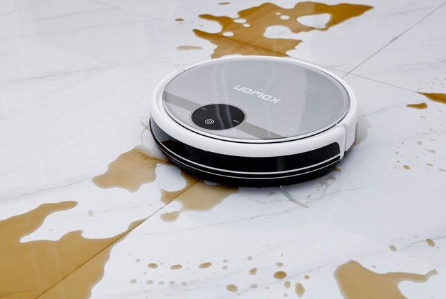 giải nguy robot hút bụi khỏi nước